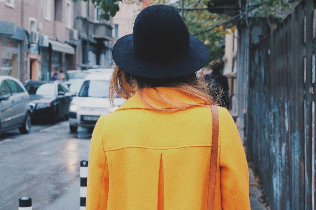 Style vêtements jaune